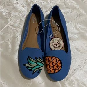 SO pineapple blue flats